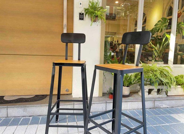 高腳桌+高腳椅-$1500/DAY