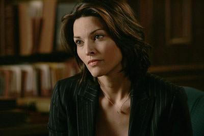 女主角-紐約警署的女偵探 Jo Martinez(Alana de la Garza)